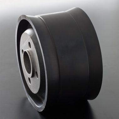 [:it]Pistone in ghisa gommata[:en]Rubber-coated cast iron piston[:]